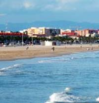 playa-las-arenas-del-cabanyal-en-valencia-02